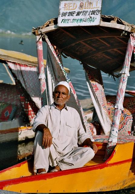Kašmír, Šrínagar, lodník