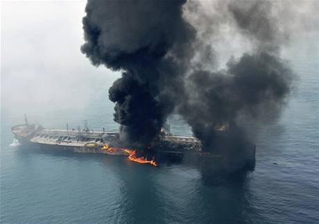 Kasmir převážel 30 tisíc tun ropných materiálů.
