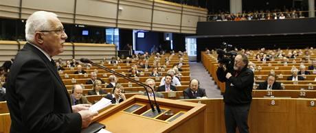 Prezident Václav Klaus při projevu v Evropském parlamentu. (19. února 2009)