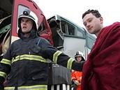 V Paskově se srazily osobní vlaky. Nehoda si vyžádala přes 40 zraněných, dva z nich odvezl vrtulník. (16. února 2009)