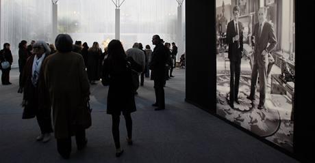 Aukční dům Christie´s nabízí v dražbě předměty ze soukromé sbírky módního návrháře Yvese Saint Laurenta a Pierra Berge.