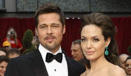Oscar 2008 - Angelina Jolie a Brad Pitt