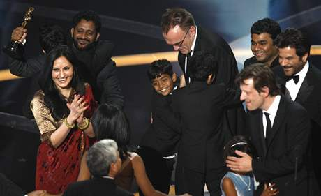 Oscar 2008 - Indická radost při vítězství snímku Milionář z chatrče