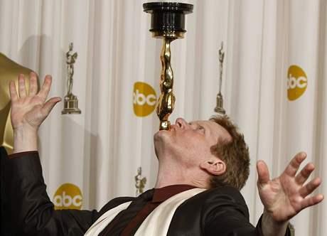 Oscar 2008 - Phillipe Petit s Oscarem za nejlepší celovečerní dokument