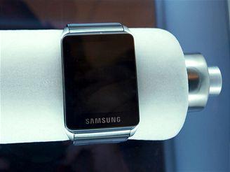 Mobil v hodinkách od Samsungu