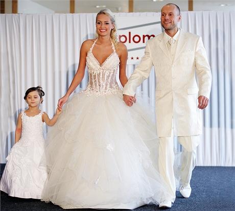 Vdáváte se? Zkuste hit: empírové nebo antické šaty