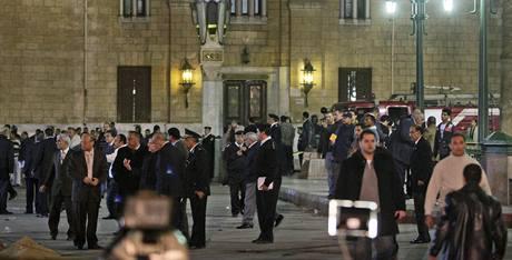 Bombový útok před mešitou v Káhiře