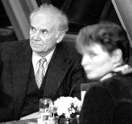 Karel Hubáček v restauraci Ještěd