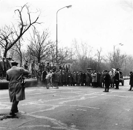 Zah�jen� stavby metra 6. ledna 1966