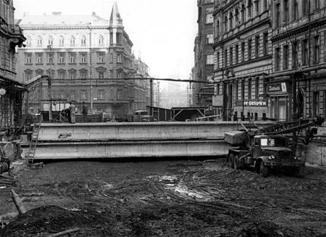 Stavba stanice I. P. Pavlova