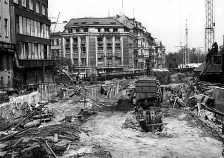 Stavba stanice Muzeum 25. 06. 1971