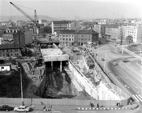 Stavba stanice Pražského povstání