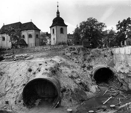 Stavba trasy C - sv. Pankr�c 28. kv�tna 1971