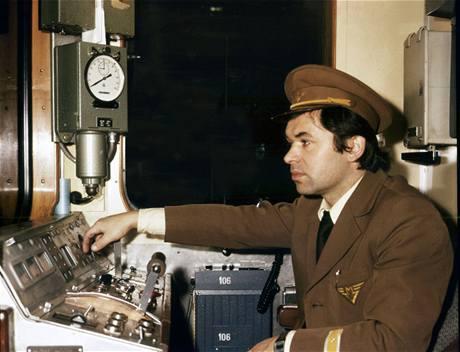 Strojvůdce soupravy EČS v roce 1974
