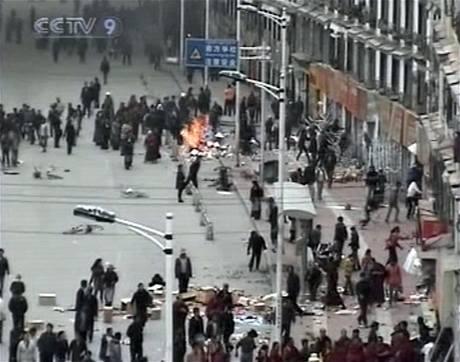 Ulice Lhasy p�i lo�sk�ch nepokoj�ch