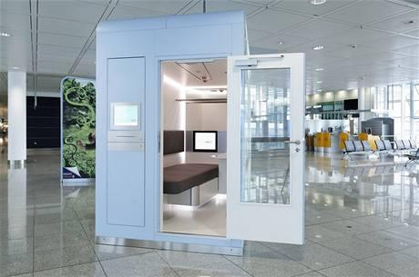 Spací komora na letišti