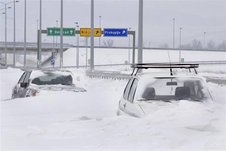 Srbskou dálnici zasypal sníh