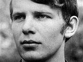 Jan Zajíc. Osmnáctiletý student ze Šumperka, který se 25. února 1969 upálil v průjezdu domu na Václavském náměstí v Praze.