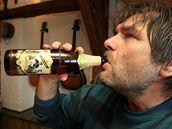Kamelot s Romanem Horkým začínají sérii 106 koncertů a chtějí se zapsat do české Guinessovy knihy rekordů. Pivovar Černá hora k akci uvařil speciální pivo Kamelot