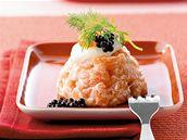 Tartar z lososa s kaviárem a křenovým dipem