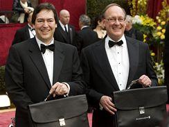 Rick Rosas a Brad Oltmanns - jediní muži, kteří znají výsledky oscarového klání ještě před jejich vyhlášením na červeném koberci před Kodak Theatre v Hollywoodu