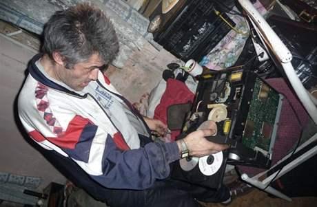 Mechanik Aladar junior.
