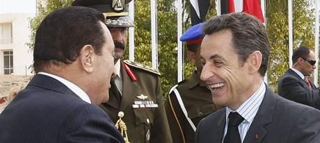 Dárcovská konference pro obnovu Gazy. Egyptský prezident Husní Mubarak a francouzský prezident Nicolas Sarkozy (2. března 2009)