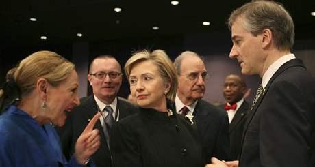 Dárcovská konference pro obnovu Gazy. Americká ministryně zahraničí Hillary Clintonová (2. března 2009)