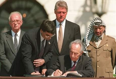 Podpis dohod z Osla v září 1993