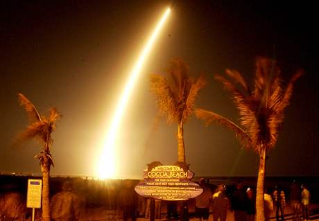 Americká družice Kepler odstartovala z floridského Mysu Canaveral (7.3.2009)