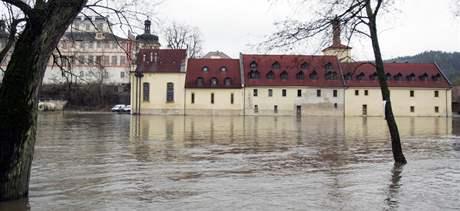 Zaplavený pivovar v Kácově (6.3.2009)