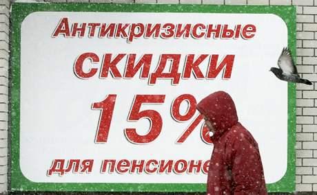 Plakát u obchodu ve Stavropolu nabízí 15%