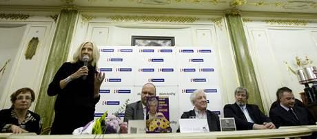 Eva Ji�i�n� na k�tu knihy Vlastimila Je�ka
