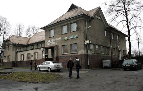 Restaurace Sokol v Petřvaldě, kde při střelbě na oslavě zahynuli čtyři lidé. (8. března 2009)