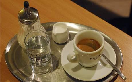 Espresso v brněnské kavárně Trojka