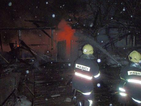 Výbuch a požár zahradní chatky ve Slušovicích (7. března 2009)