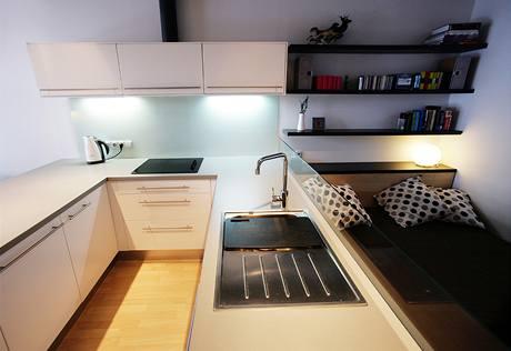 Kuchyně nabízí velký úložný prostor