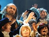 Z muzikálu Oliver! (Rowan Atkinson alias Mr. Bean)
