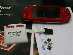 MS Pro Duo adaptér na dvě microSD karty