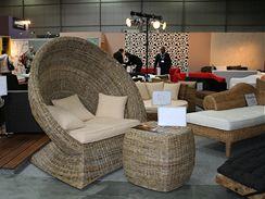 Široká nabídka vyplétaného nábytku z nejrůznějších materiálů, přírodních i umělých.