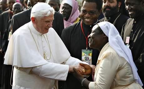 Papež Benedikt XVI. v Kamerunu (17. března 2009)