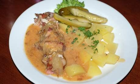 Restaurace La Bouchée, Vepřové ražniči s bramborem