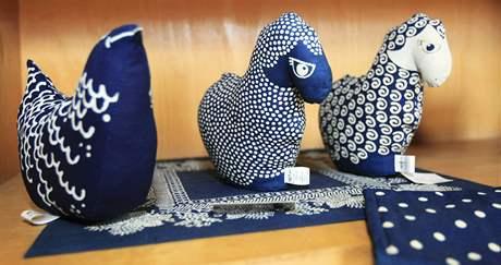 Ve Strážnici je jedna z posledních dvou tradičních výrob modrotisku na Moravě. František Joch je pokračovatelem rodinné tradice.