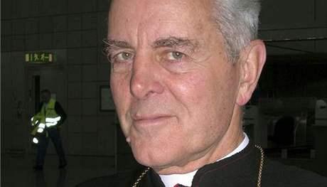 Biskup Richard Williamson na archivním snímku z roku 2007
