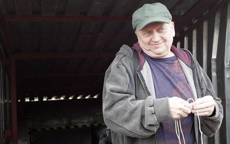 Andrew Urbiš v bývalém protiatomovém krytu, kde stráví deset dní v absolutní tmě. (16.3.2009)