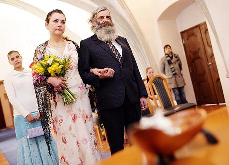 Bezdomovkyně Eva Holbusová se vdává za přítele z ulice Františka Kittela