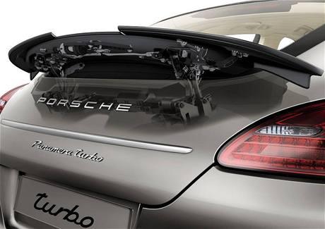Porsche Panamera - polohovatelné zadní křídlo