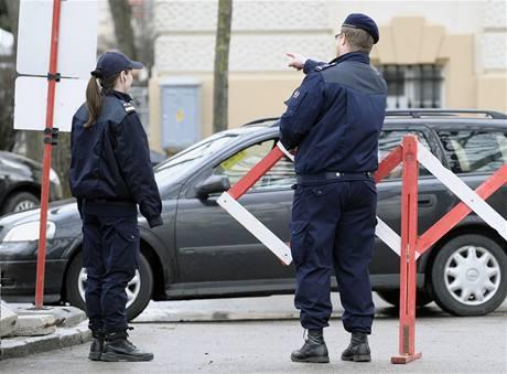 Některé ulice v okolí soudní budovy v Sankt Pöltenu jsou kvůli přelíčení s Fritzlem uzavřené