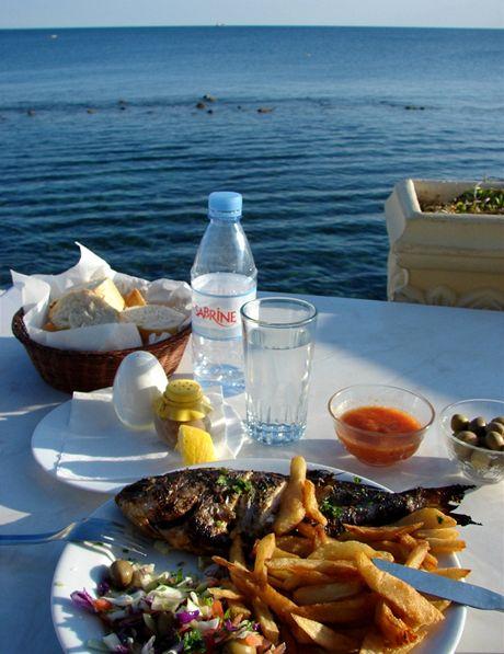 Tunisko, Mahdia. Výhled od jídla ze Sidi Alem