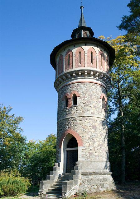 Zámek Sychrov, vodárenská věž v anglickém parku